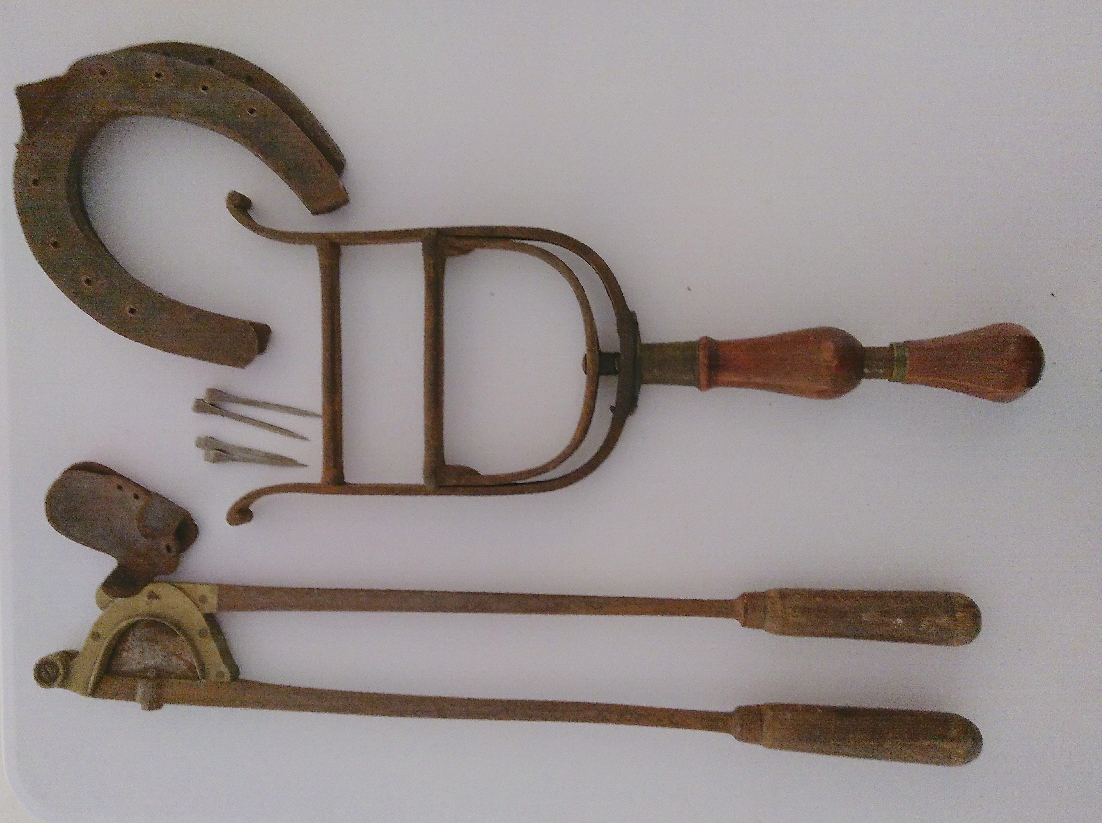 Outils de maréchal-ferrand
